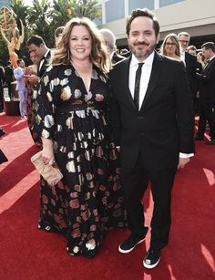 Image 31593866 Melissa McCarthy (L) and husband Ben Falcone (R) arrive for the annual Primetime Emmy Awards held at the Nokia Theatre in Los Angeles, California, USA, 25 August Look Plus Size, Plus Size Girls, Plus Size Women, Melissa Mccarthy Clothing, Celebrity Couples, Celebrity Style, Plus Size Dresses, Plus Size Outfits, Photo Pose Style