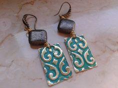 orecchini in pietra dura di pirite e lasttrina di ottone embossata, by tizianat, 12,40 € su misshobby.com