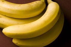 Physician Shocked to Learn Banana Bags Not Made with Real Fruit - http://www.gomerblog.com/2015/08/physician-banana-bags/ -