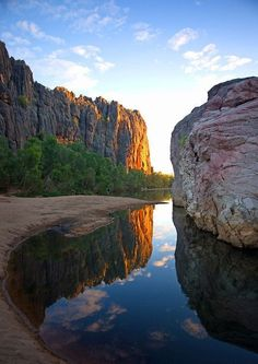 Windjana Gorge,Western Australia - ✈️ The World is Yours ✈️ Places To Travel, Places To See, Travel Destinations, Western Australia, Australia Travel, Queensland Australia, South Australia, Australia Occidental, Flora Und Fauna