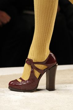 Fendi Fall 2011 Ready-to-Wear Collection Slideshow on Style.com