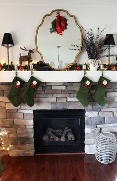 2013 Christmas fireplace mirror, Minimalist Christmas Decorating Ideas, Simple Christmas Decoration Idea, The Christmas Mantel