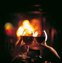 OS ESQUILOS RESTAURANTE: Fondue +lareira +vinho