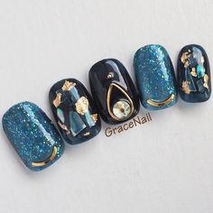 What Christmas manicure to choose for a festive mood - My Nails Bling Nails, Gold Nails, Diy Nails, Korean Nail Art, Korean Nails, Japanese Nail Design, Japanese Nail Art, Essie Nail Polish Colors, Kawaii Nail Art