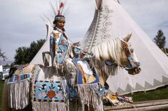 Arlene Wesley (Yakama) at Wapato, WA, J.Thompson photo, Maryhill Museum of Art, Native American Horses, Native American Pictures, Native American Beauty, Native American Artifacts, American Indian Art, Native American Beading, Native Indian, Native Art, Horse Gear