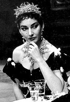 the jewelry worn by Maria Callas in 1956 for her Metropolitan Opera debut as Tosca,a blinding, sparkling monstah of 200 tear-shaped Swarovski crystals, by Atelier Marangoni in Milan, Italy