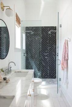 43 Beautiful Black Marble Bathroom Design To Looks Classy - Home Design Ideal Bathrooms, Beautiful Bathrooms, White Bathrooms, Marble Bathrooms, Bathroom Mirrors, Narrow Bathroom, Master Bathrooms, Bathroom Cabinets, Bathroom Faucets