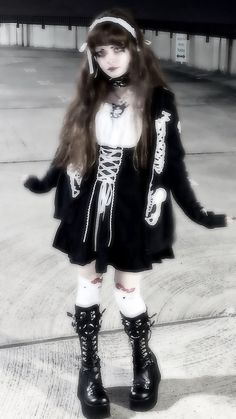 Gothic Outfits, Edgy Outfits, Grunge Outfits, Cool Outfits, Fashion Outfits, Aesthetic Grunge Outfit, Aesthetic Fashion, Aesthetic Clothes, Goth Aesthetic