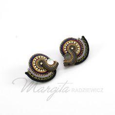 Margita, hand embroidered jewelry.