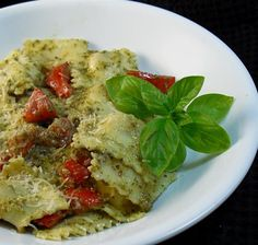 "Ravioli Con Pesto: ""This is simple goodness! It takes just minutes to make! Use any flavor ravioli you like -- we prefer Italian Sausage Ravioli."" -Charmie777"