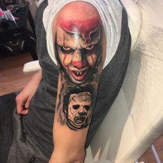 Photo by (hajnalh84) on Instagram | #tattooart #tattoo #blackangraytattoo #tattoos #tattoodesign #horror #horrortattoo #nopainnogain #inprogress #pennywise #it #az #texas #tomy #chainsaw Horror Tattoos, Chainsaw, Tattoo Designs, Texas, Portrait, Instagram, Tomy, Headshot Photography, Portrait Paintings