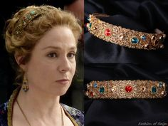 the CW's Reign Fashion & Style: Photo Royal Crowns, Tiaras And Crowns, Megan Follows, Reign Fashion, The Cw Shows, Circlet, Movie Costumes, Fashion Pictures, Royalty
