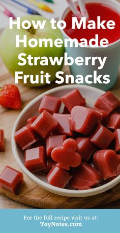 How to Make the Best Homemade Strawberry Fruit Snacks (Yum!) – Toy Notes How to Make the Best Homemade Strawberry Fruit Snacks (Yum!) These homemade strawberry fruit snacks are the bomb! Healthy Fruit Snacks, Fruit Recipes, Baby Food Recipes, Snack Recipes, Fruit Snacks Homemade, Fruit Roll Ups Homemade, Gummy Fruit Snacks, Healthy Strawberry Recipes, Strawberry Snacks