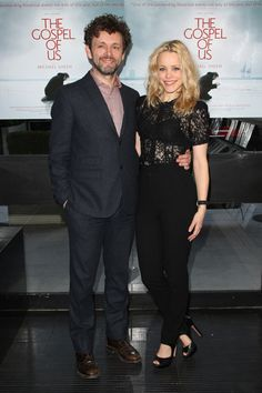 Rachel McAdams is dating Michael Sheen(Aro from The Twilight Saga)?! What even. Why, why, why?! Looks aren't everything, but jeez. #loveher