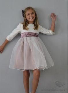 Blog moda infantil Blog Moda, Communion Dresses, Carolina Herrera, Tulle, Sewing, Wedding Dresses, Children, Casual, Skirts