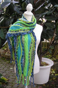 "Strickanleitung Schal ""Pardiesgarten"" von Knitteltante Sweater Refashion, Knitting Accessories, Plaid Scarf, Needlework, Knitting Patterns, Knit Crochet, Upcycle, Sewing, Awesome"