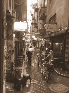 One of the many pretty little laneways - Centre Place