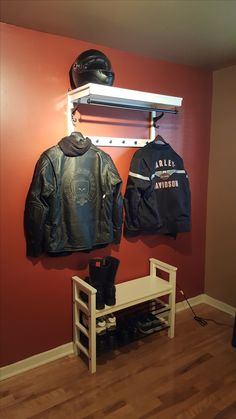 casiers casque moto pinterest casiers moto et rangement. Black Bedroom Furniture Sets. Home Design Ideas