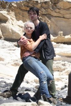 Primeval's Connor and Abby