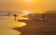 houses-wallpapers-344-ocean-beach-people-waves-sand-surf-windsurf-sail-hd-photo.-w0-h0-p100-q90-F-----S1-c.jpg 1920×1200 pixels