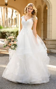 Stella York, Wedding Dresses, Fashion, Bride Dresses, Moda, Bridal Gowns, Wedding Dressses, La Mode, Weding Dresses