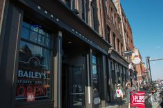 Bailey's is one of best places to watch sports in #Nashville! http://nashvilleguru.com/578/top-10-sports-bars-in-nashville