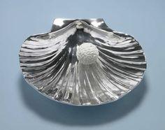 La Nascita di Venere, 2000/2002 white marble, aluminum  8x39x37cm