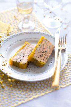 Une recette de terrine de foie gras pour changer de la recette classique où le foie est grillé à la poêle et non cuit au four !