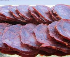 Caja 30 Ud. Loncheado Chorizo Cular Ibérico 100 Gr. Chorizo Cular Ibérico Encinar de Cabezón. Cortado de piezas seleccionadas, presentado en sobre, de 100 Gr. envasado al vacío, retractilado. Caja de 30 unidades.