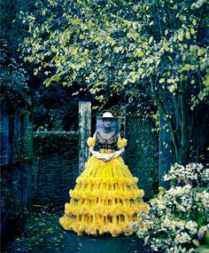 """Fashion's Queen Bee"", US Harper's Bazaar March 2013 - Alla Kostromichova by Erik Madigan Heck"