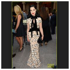 Dita in Carolina Herrera