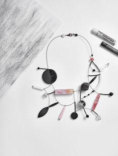 #loranikolova #bijoux&art #necklace #colors #art #madeinitaly #abstract #style Yoga Jewelry, Jewelry Art, Beaded Jewelry, Jewelry Design, Fashion Jewelry, Contemporary Jewellery, Modern Jewelry, Custom Jewelry, Sunflower Jewelry