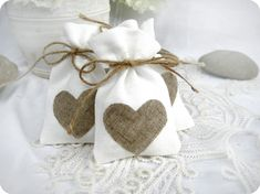 Items similar to Set of favor bags - White Rustic Linen Wedding Favor Bag with natural linen hearts or Candy Buffet Bag or Gift Bag on Etsy Wedding Favours Fudge, Popcorn Wedding Favors, Wedding Favours Easter, Vintage Wedding Favors, Wedding Favor Bags, Unique Wedding Favors, Candy Buffet Bags, Cowgirl Wedding, Candle Favors