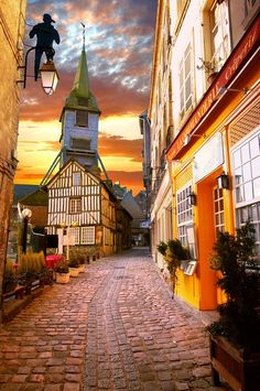 Sunset, Honfleur, Normandy, France - what a pretty scene!