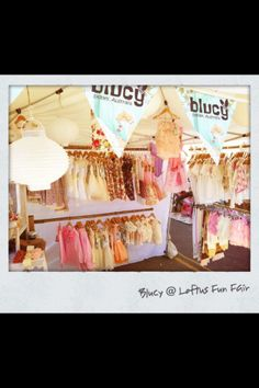 good idea for lots of hanger space.... Blucy kids market stall