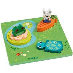 Puzle de madera, con piezas para encajargrandes ymanejablespor los más pequeños. Incluye 3 piezas con forma de: conejo con zanahoria, rana en charcha y tortuga. Presentado en práctica caja de almacenamiento.