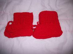 Sapatinho fácil (Blog Linhas Imaginárias) Pequeno -Colocar nas ag 3 1/2 ,45 pontos -lã Carinho da Pinguim -Fazer 6 cordões de trico (12 c...