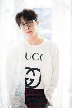 Jimin é um ômega Lolita tem 17 anos é carinhoso ,meigo ,submisso mai… # Fanfic # amreading # books # wattpad Gwangju, Jimin, Bts Bangtan Boy, K Pop, Jung Hoseok, Bts 2018, Rapper, Bts J Hope, Foto Bts