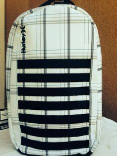 Hurley-Puerto-Rico-white-black-backpack-school-supplies-laptop-holder-New