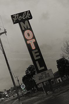 in Columbia, Tennessee....cool pic of a place that has been there forever!