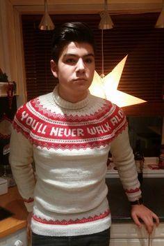 Heisann kjære du Då var det ganske lenge siden eg hadde delt mønster med al. Easy Crafts, Diy And Crafts, You'll Never Walk Alone, Walking Alone, Handicraft, Crochet Hooks, Decorative Items, Liverpool, Christmas Sweaters