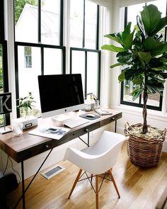 Home office window desk 63 ideas Bureau Design, Workspace Design, Office Interior Design, Home Office Decor, Office Interiors, Home Interior, Home Decor, Office Ideas, Desk Ideas