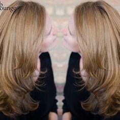"""Looking at the recent celebrity #blondehair summer craze, we think there must be a grain of truth in 'Blondes have more fun' statement. /// Werfen wir ein Blick auf die Berühmtheiten und deren Sommer #blondhair Beliebtheit, dann müssen wir glauben, dass in dem Spruch """"Blonde have more fun' wirklich ein Körnchen Wahrheit drinn steckt.  #bloungevienna #blondehair #summerblonde Think, Vienna, Blonde Hair, Salons, Lounge, Long Hair Styles, Celebrities, Instagram Posts, Beauty"""
