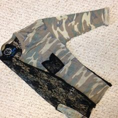 BLUE LIFE CAMO/LACE L/S TEE. FROM PLANET BLUE XS Sexy & Fun Camouflage/ Lace Long Sleeve Tee From Plant Blue Made By Blue Life. Great with destroyed denim shorts, jeans & very sexy with a black leather wide or skinny pantXS Never worn. Blue Life  Tops