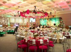 A grand Christmas affair ~ #ribbon #red #tablescape #snowflakes #eventuresinc
