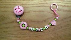 Schöne Schnullerkette  www.littlesister.at    Littlesister Kindermode Washer Necklace, Personalized Items, Handmade, Jewelry, Kid Shoes, Nice Asses, Hand Made, Jewlery, Bijoux