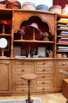 Hinazo hat shop interior - dressing room inspiration