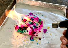 How to Make DIY Alcohol Ink Coasters with Fire Using the Bernzomatic - This is a fun craft you can do with your older kids under adult supervision. Sharpie Alcohol, Alcohol Ink Tiles, Alcohol Ink Glass, Alcohol Ink Crafts, Alcohol Ink Painting, Alcohol Inks, Sharpie Markers, How To Make Coasters, Diy Coasters