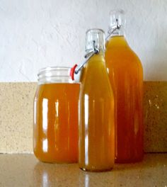Make zero waste vegetable stock with www.goingzerowaste.com