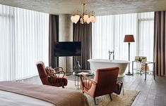 Soho House Istambul Is Now Open - News & Events Soho House Istanbul, Victorian Style Furniture, Modern Victorian, Interior Exterior, Luxury Interior, Interior Design, Hotel Room Design, Hotel Interiors, Living Room Bedroom